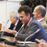 Ing. Tomáš hrabě Czernin byl ve volbách v roce 2016 zvolen na šestileté období senátorem a navazuje tak na parlamentní práci svých předků.