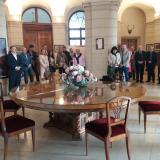 Zahájení výstavy proběhlo ve vstupním sále zámku, který dal vystavět  hrabě František Ferdinand Kinský. Ke stavbě přizval vynikající umělce své doby-českého architekta italského původu Jana Blažeje Santiniho- Aichela a pražského stavitele Františka Maxmiliána Kaňku. Stavba se uskutečnila v letech 1721 -1723.