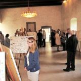 Vernisáže se zúčastnily více než tři desítky návštěvníků.